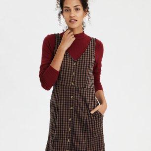 https://www.ae.com/us/en/p/women/dresses/fit-flare-dresses/ae-plaid-pocket-dress/0395_4095_410?isFiltered=false&nvid=plp%3Acat1320034&menu=cat4840004