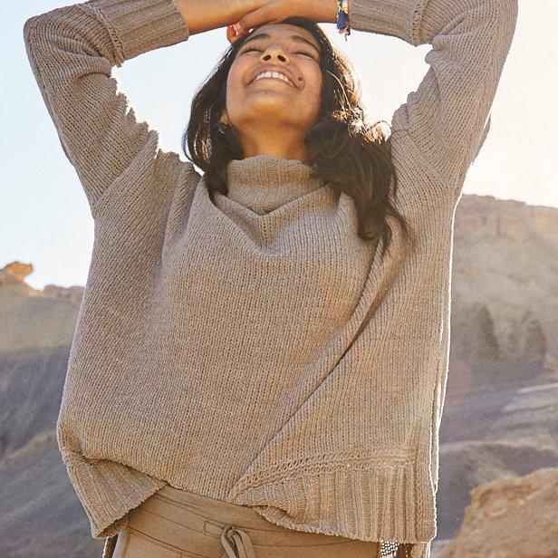 https://www.ae.com/us/en/p/women/sweaters-cardigans/aerie-sweaters/aerie-oversized-chenille-turtleneck/0745_1494_291?nvid=pdp%3A0745_1494_291