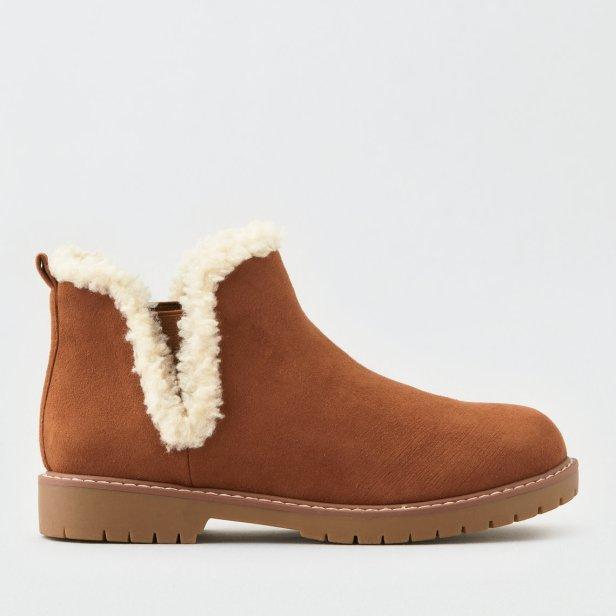 https://www.ae.com/us/en/p/women/boots/booties/aeo-sherpa-trim-lug-bootie/1414_4453_249?isFiltered=false&nvid=plp%3Acat4840020&menu=cat4840004